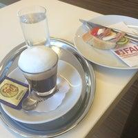 Das Foto wurde bei FALY Café Bäckerei Spezerei von Susanna A. am 11/9/2014 aufgenommen