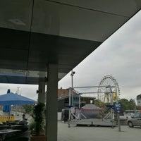 Photo taken at Eiscafé Venezia by Belinda on 9/30/2016