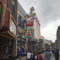 Foto scattata a The LINQ Promenade da Eric A. il 3/22/2018