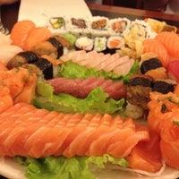 Foto tirada no(a) Shogun House por Eric A. em 9/14/2012