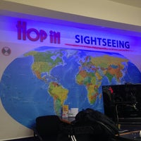 Photo taken at Hop in Sightseeing by Rodrigo L. on 4/9/2016