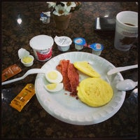 Photo taken at Quality Inn by Raul C. on 12/8/2013