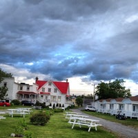 Photo taken at Auberge Ste-luce by Jean B. on 6/20/2014