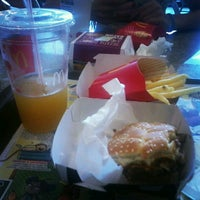 Photo taken at McDonald's by Leandro d. on 12/24/2012