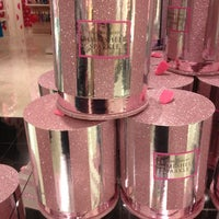 Photo taken at Victoria's Secret PINK by Michelle F. on 12/31/2012