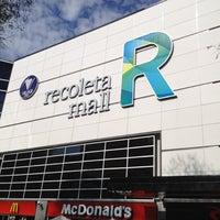 Foto tirada no(a) Recoleta Mall por Renata N. em 9/29/2012