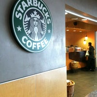 Photo taken at Starbucks by FHop🎒🌐✈️ on 2/4/2013