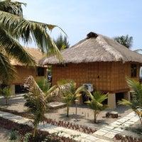 Foto tomada en Sea World Club Beach Resort por Arbain R. el 10/25/2012