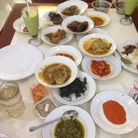 Photo taken at Restoran Simpang Raya by Farah D. on 10/24/2016