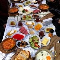 12/1/2013 tarihinde Hande nur K.ziyaretçi tarafından Siyah Cafe & Breakfast'de çekilen fotoğraf