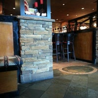 Photo taken at LongHorn Steakhouse by Scott T. on 10/6/2012