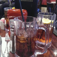 Photo taken at Franklin Steakhouse & Tavern by Brian L. on 2/3/2017