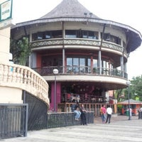 Photo taken at Khatulistiwa Restaurant & Cafe by Teik Chuan L. on 12/2/2012