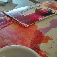 รูปภาพถ่ายที่ La Sevillana Gourmet Café โดย Mara M. เมื่อ 11/18/2016