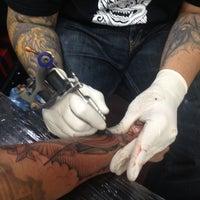 Foto tomada en Inkstop Tattoo por Mark R. el 10/16/2013