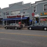 Das Foto wurde bei SanRemo Bakery von Blair B. am 10/13/2012 aufgenommen