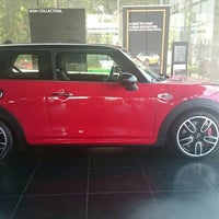 Photo taken at MINI Cooper by Wizzy C. on 8/27/2015