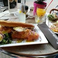 Photo taken at Delifrance by küb🎭 on 9/5/2014