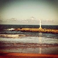 Foto tirada no(a) Praia Mirante da Sereia por Paula A. em 5/31/2013