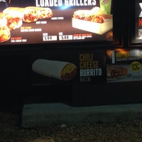 Photo taken at Taco Bell by Demetrio M. on 1/29/2014