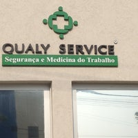 Photo taken at Qualy Service Itaquaquecetuba by Roger Kendy I. on 10/25/2012