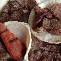 Photo taken at Tacos El Tapatío by Xris C. on 7/20/2013