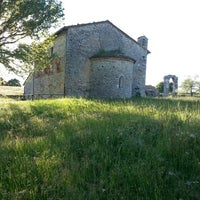 Photo taken at Rovine di Carsulae by Elisa P. on 5/1/2014
