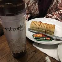 6/16/2018 tarihinde Lucy T.ziyaretçi tarafından Starbucks Reserve'de çekilen fotoğraf