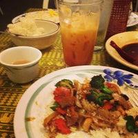Foto tomada en Sivalai Thai Restaurant por Nikko P. el 3/10/2013