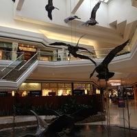 2/28/2013 tarihinde Angelika B.ziyaretçi tarafından Cherry Creek Shopping Center'de çekilen fotoğraf