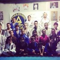 Photo taken at Escola de Jiu-Jitsu Azambuja Behring by Jô R. on 4/23/2014