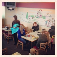 Photo taken at Round Table Pizza by Rob N. on 11/23/2012