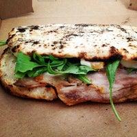 9/21/2013에 Jasmin S.님이 San Matteo Pizza Espresso Bar에서 찍은 사진