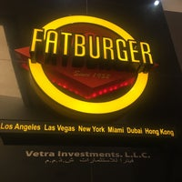 Photo taken at Fat Burger by Engin T. on 4/23/2017