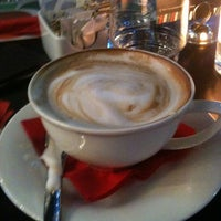 Photo taken at Pizzoteca by Dina T. on 12/16/2012