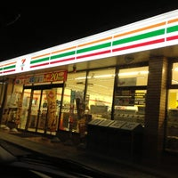 Photo taken at 7-Eleven by (゚∀゚) on 8/22/2013