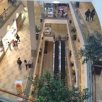 Foto tomada en Mall Plaza Alameda por Carlos O. el 11/13/2012
