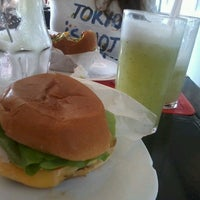 Photo taken at Mangho Burguer Salad by Denise T. on 6/14/2013