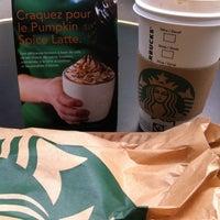 Photo prise au Starbucks Coffee par My Duyên T. le10/12/2012