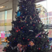 Photo taken at 日産プリンス東京販売 足立店 by alice on 11/23/2013