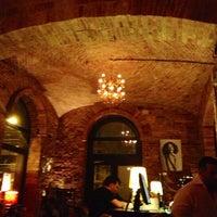 Das Foto wurde bei Doblo Wine & Bar von Rebecca F. am 3/28/2013 aufgenommen