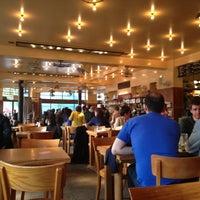 Foto tirada no(a) Café Belga por Yanita em 5/3/2013