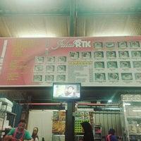Photo taken at Roti Telur Goreng Kentang Gerai No.45 by Ahmad R. on 8/16/2015