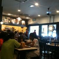 Photo taken at OldTown White Coffee by Azri_86™ (. on 10/17/2012