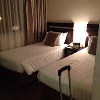 Photo taken at Link Hotel by Ricardo Jr. B. on 5/11/2014