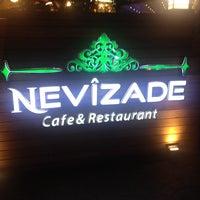 9/24/2014 tarihinde Hasan O.ziyaretçi tarafından Nevîzade Cafe & Restaurant'de çekilen fotoğraf