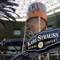 Foto tirada no(a) Karl Strauss Brewing Company por Luis Javier G. em 10/21/2013