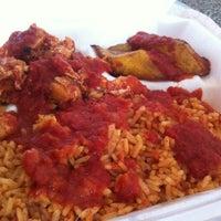 Photo prise au Wasota African Cuisine par Saurah le9/27/2012