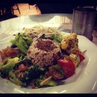 Foto scattata a Mantra Gastronomia e Arte da Luiza D. il 9/20/2012