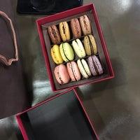 Photo taken at La Maison du Chocolat by Haowei C. on 9/8/2017